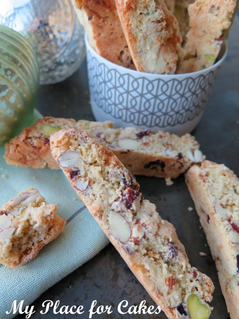 Biscotti med pistacienødder, tranebær og hvid chokolade