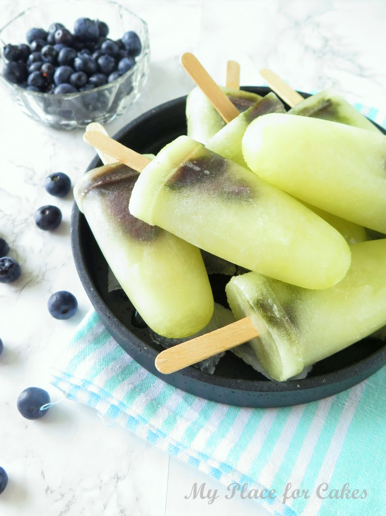 ispinde med honningmelon og blåbær