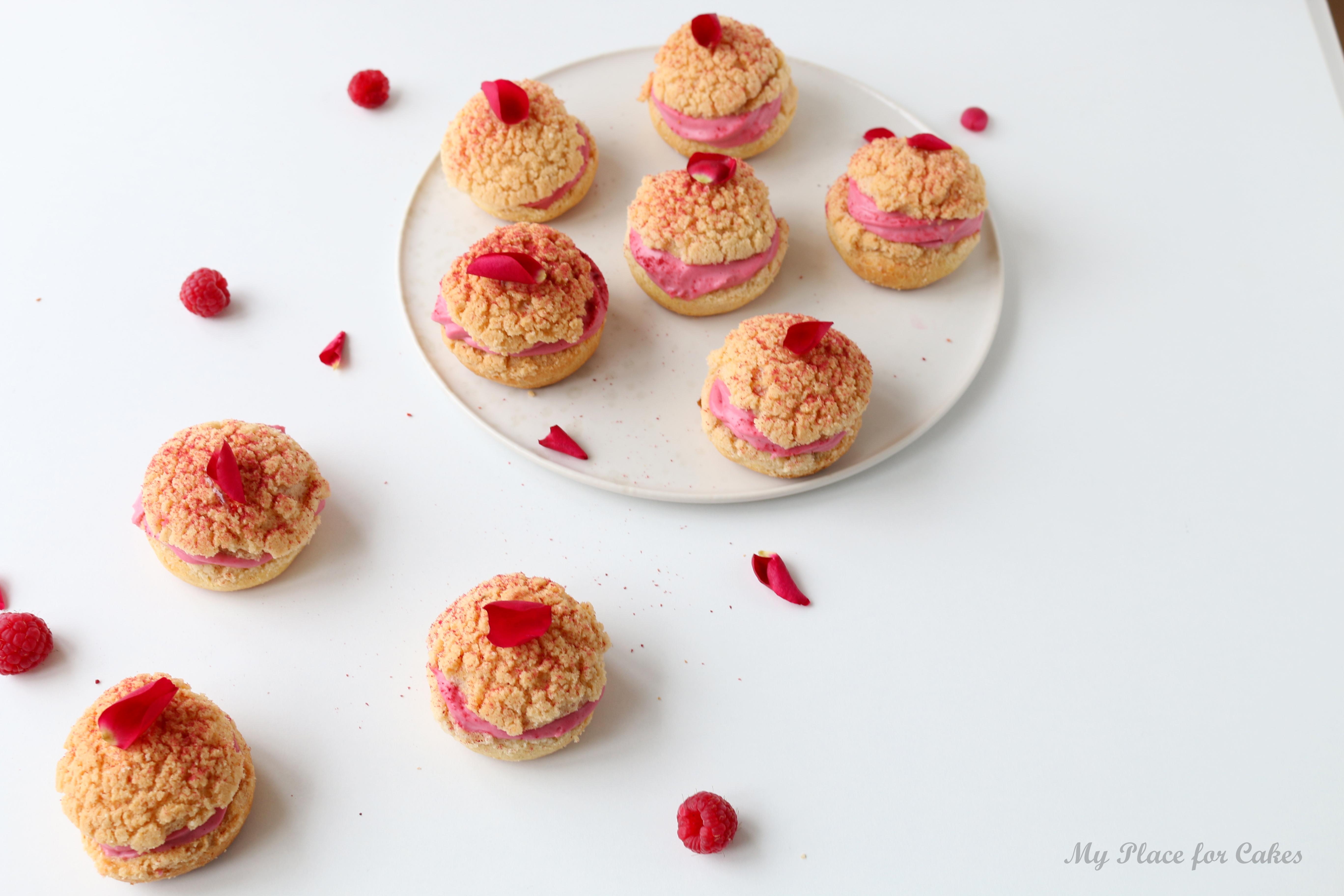 choux au craquelins med hindbærcreme - fastelavnsboller