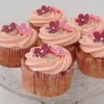 Rabarber cupcakes med marcipan og mandler