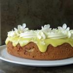 Mandelkage med lemon curd og mascarponecreme