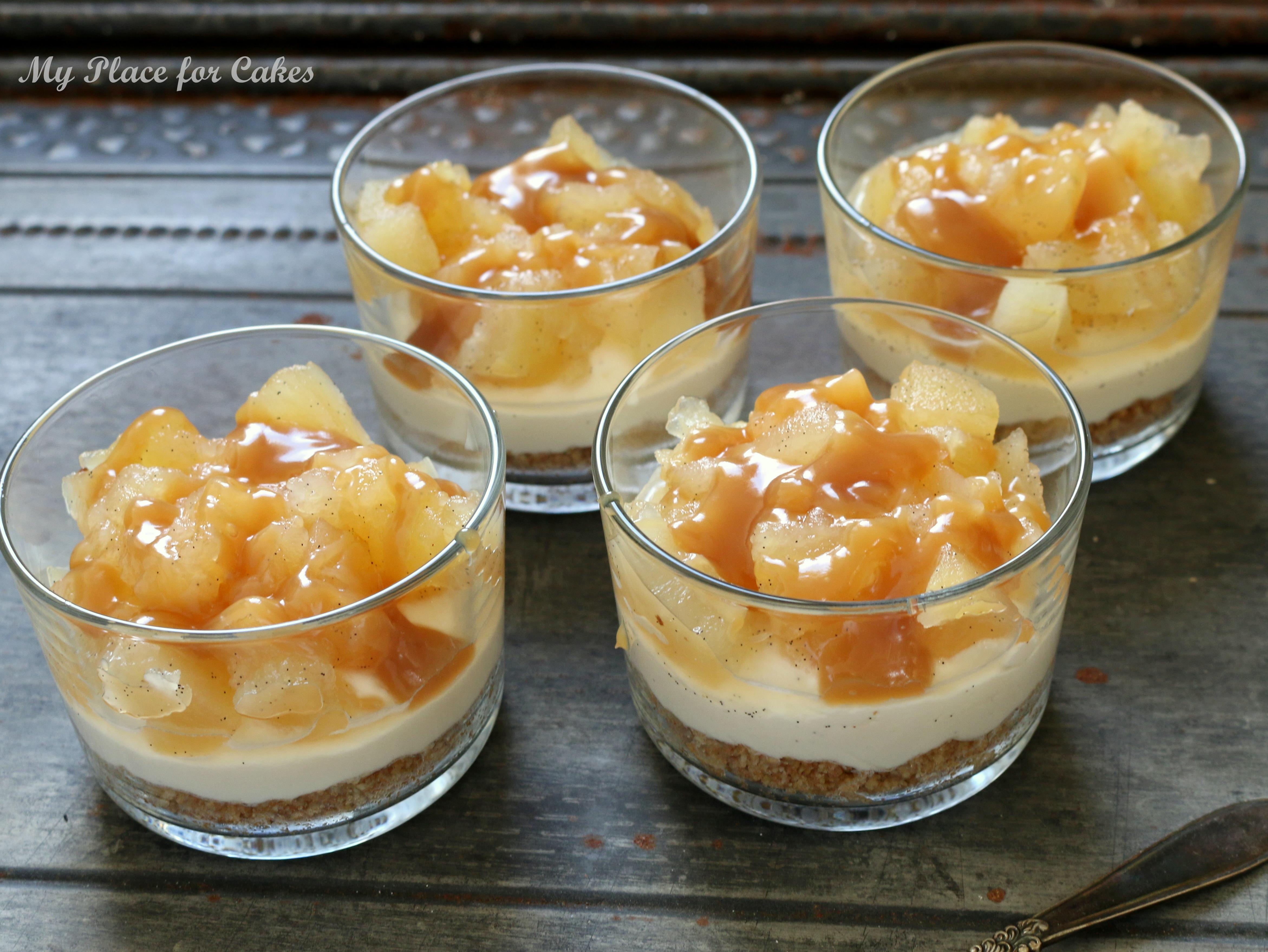 Små Cheesecakes I Glas Med æble Og Karamel My Place For Cakes